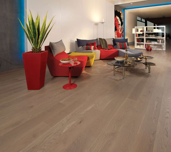 Flair Collection – White Oak Sand Dune Light Character by Mirage Floors